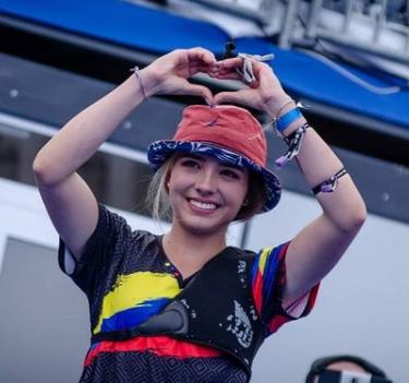 バレンティナ・アコスタ ヒラルドのインスタ顔写真